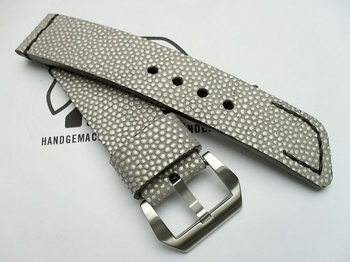 "24009 - 24mm Strap ""Stingray coining silver grey"""