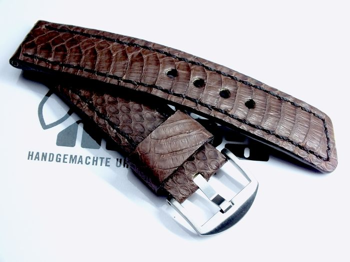 "24038 - 24mm Strap ""Snake brown"""